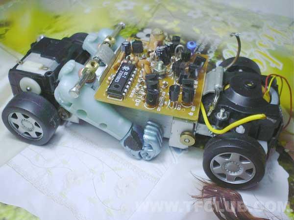 装上遥控接收电路板的样子
